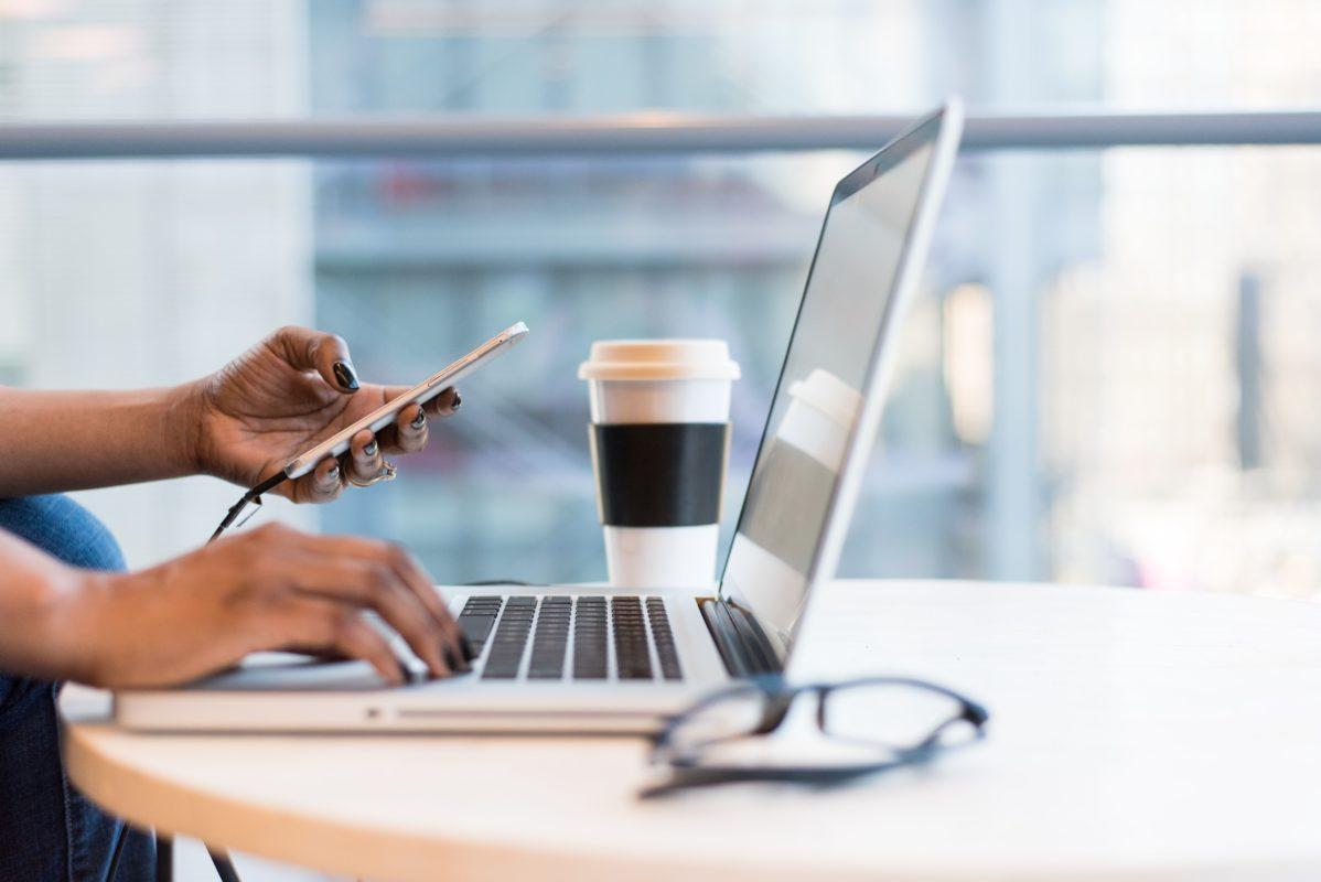 10 formas de como ganhar dinheiro online em 2021: escolha a forma de ganhar dinheiro na internet que mais tem a ver com você.