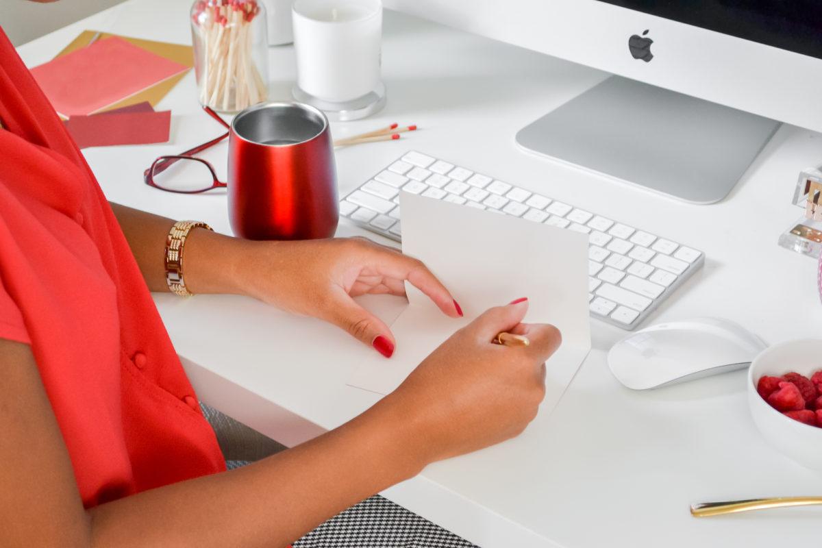 Veja 3 dicas simples e fáceis de aplicar para criar títulos clicáveis e que cumpram sua função: chamar a atenção para motivar a ler mais.